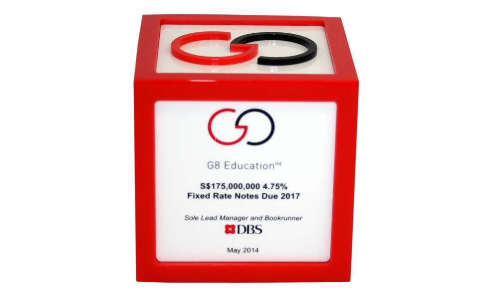 G8 Lucite Deal Cube