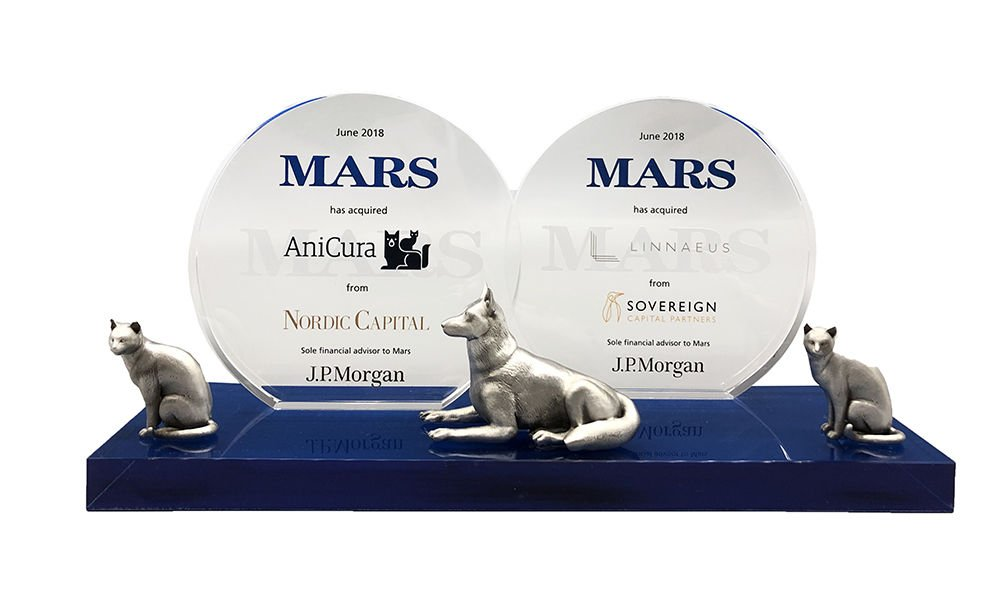 Pet Care-Themed Crystal Tombstone