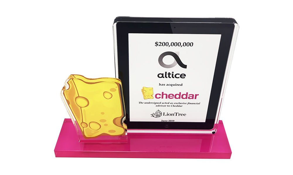 Cheese-Themed Crystal Deal Toy